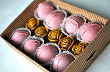 28 Шоколадный набор с розовым шоколадом. 200гр